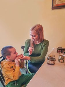 полезен-мед-и-пчелни-продукти-ирина-атанасова